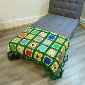 Vintage Hand Knit Flower Green Yellow Throw Bed